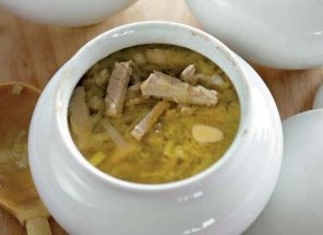 Горшочек супа из индейки с перловой крупой